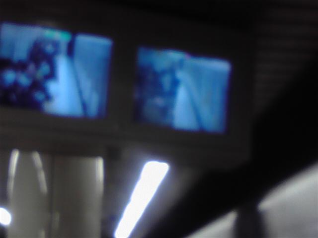 地下鉄の車窓から