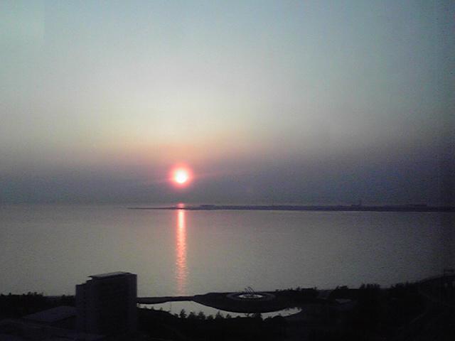 関西空港に沈む夕日