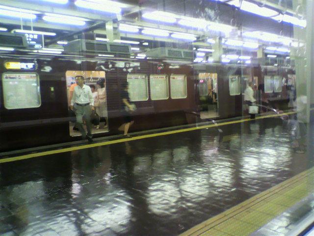 雨上がり?の阪急梅田